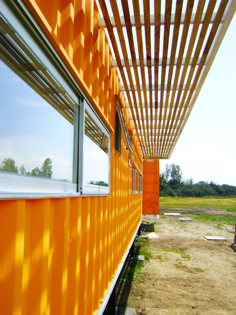 Earthquake-Resistant Modular Shipping Container Home 3