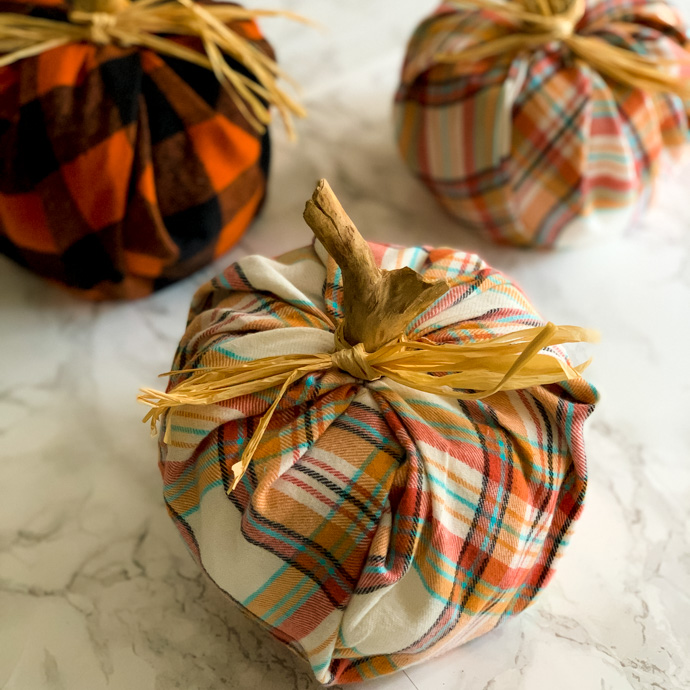 Simple plaid pumpkin DIY