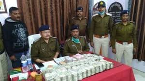 1.85 crore recovered from Innova's bonnet, police involved in solving the case