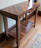 mesa larga con palets de madera