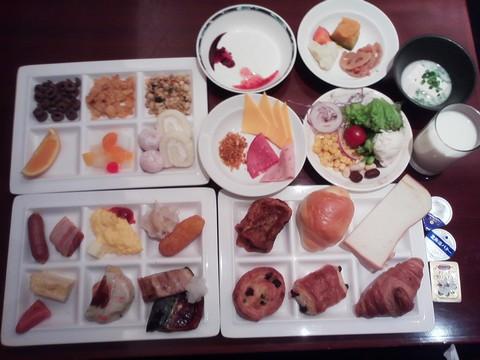 朝食ビュッフェ¥2,400-2 ホテルエミシア札幌カフェ・ドム