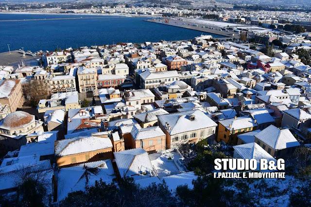 Ιστορική χιονόπτωση στο Ναύπλιο - Οδοιπορικό στην χιονισμένη πόλη (βίντεο)