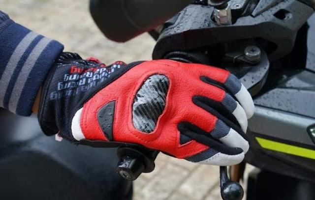 Cara Pilih dan Rawat Sarung Tangan Untuk Riding