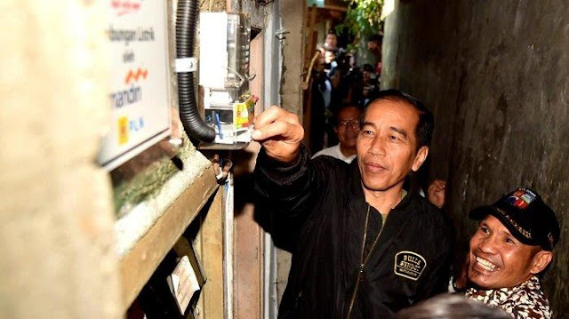 Jokowi Gratiskan tagihan PLN hingga Juni 2020