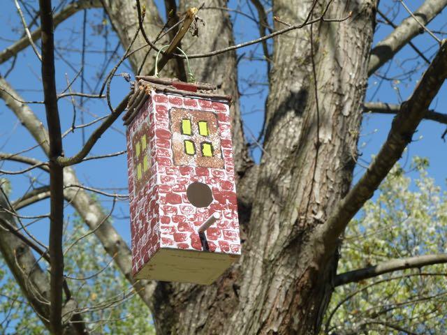 Make It Easy Crafts  Milk Carton Birdhouse