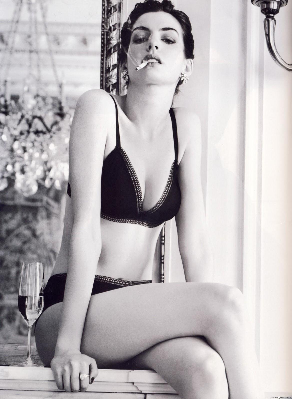 Anna hathaway sexy pic