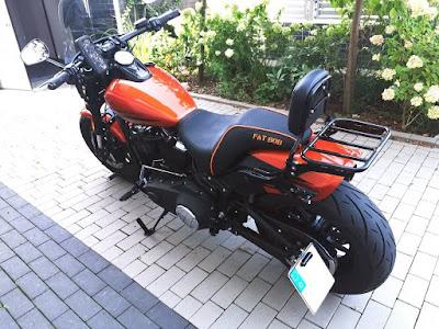 Harley Davidson Fat Bob Sitzbankbeispiel