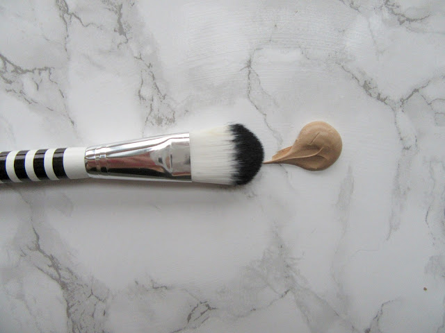 Lidl Foundation Brush Black and White