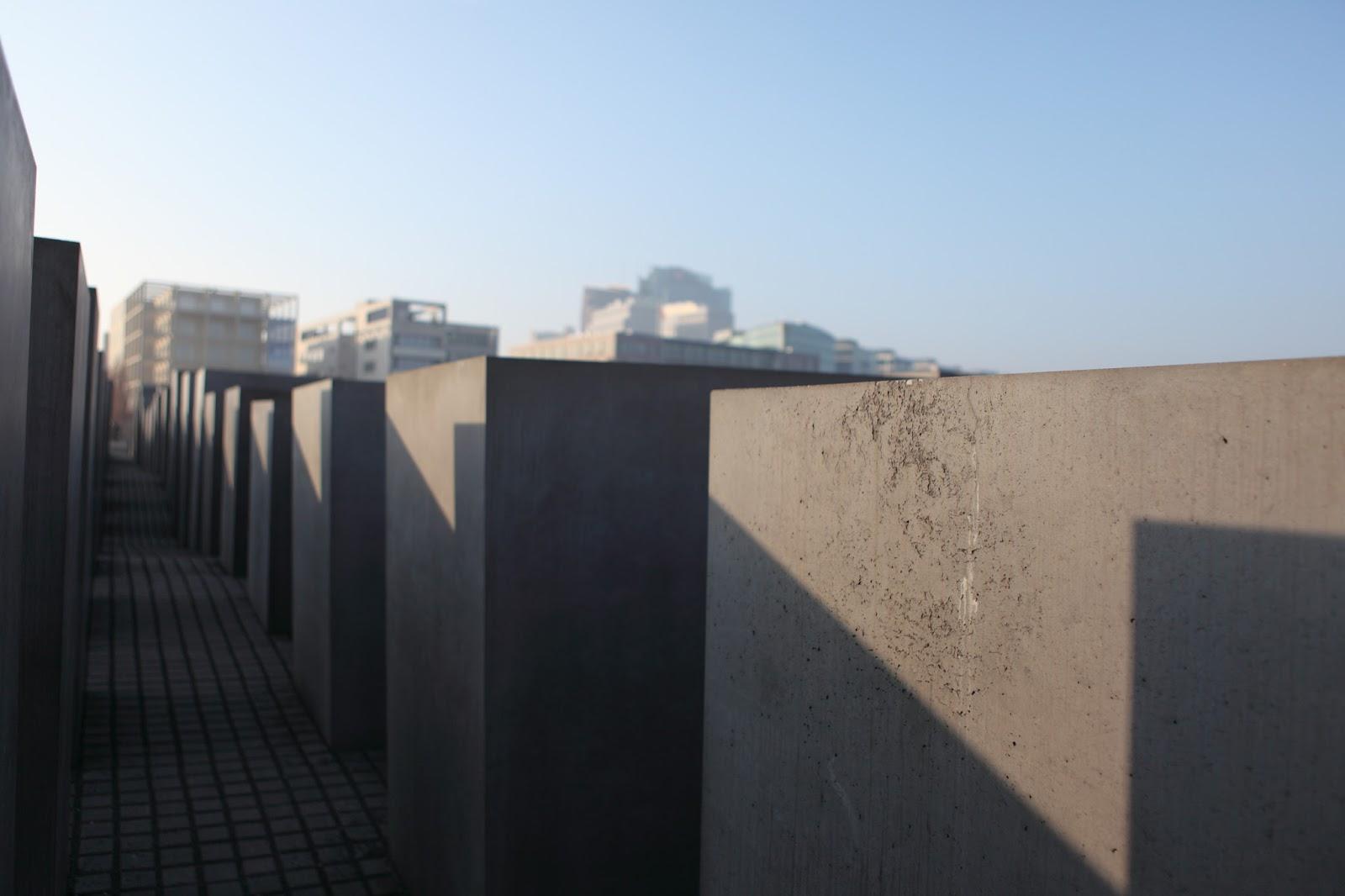 因為我可以!而且我想!: 天上掉下來的歐洲夢 Day 5(1) - 猶太人大屠殺紀念碑,柏林大教堂,老博物館
