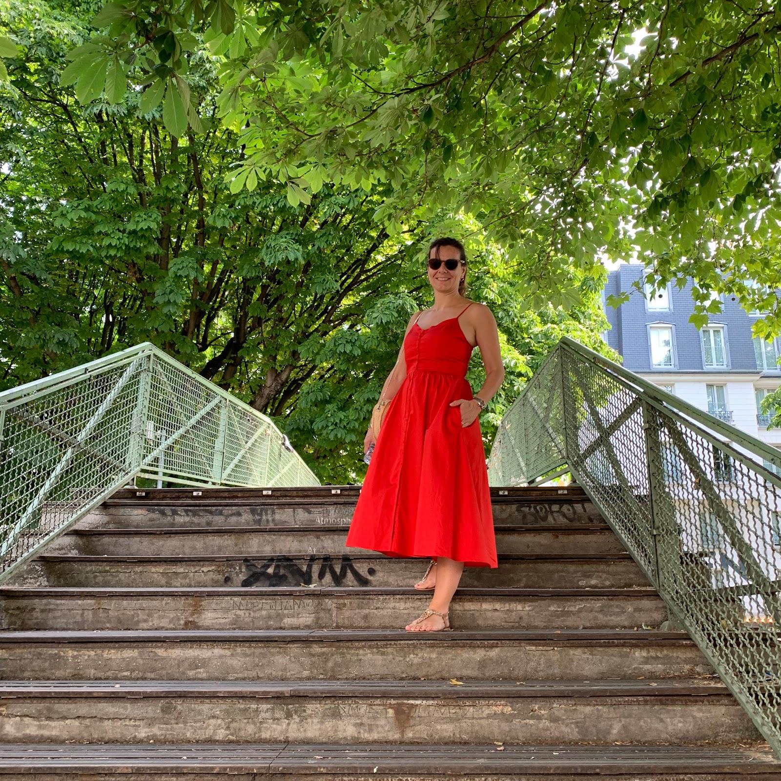ballade à paris, robe rouge maje, les petites bulles de ma vie