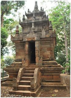 Candi Cangkuwang. Jawa Barat.