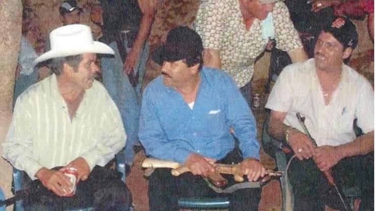 """""""El Chapo"""" nunca dudó ni renegó de su compadre, Ismael """"El Mayo"""" Zambada, """"Si alguien me entregó estoy seguro que no fue él"""", dijo a sus interrogadores"""
