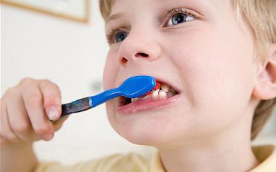 Tips Cara Menggosok Gigi yang Baik dan Benar
