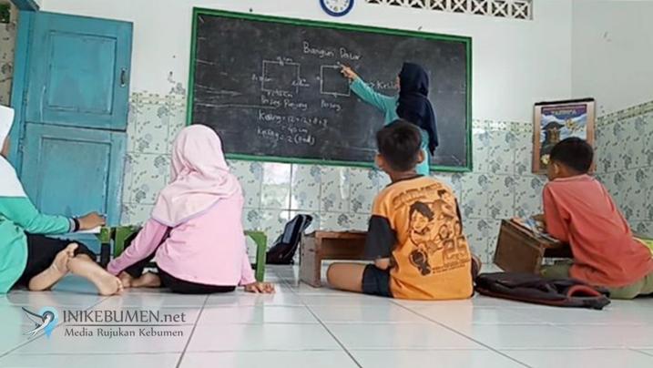Mahasiswa KKN UNS Bantu KBM di Masa Pandemi Covid-19