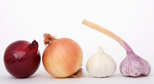 Popular Ayurvedic Medicines/Plants- Garlic and Onion