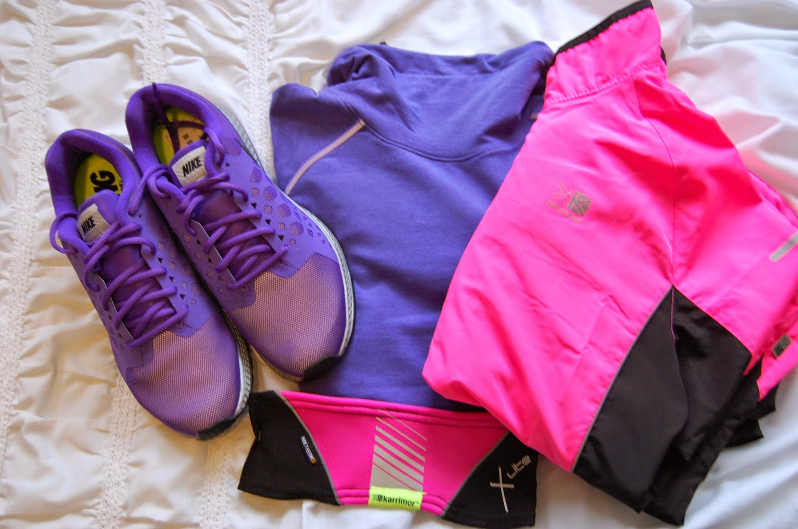 SportsShoes hi-viz running clothes