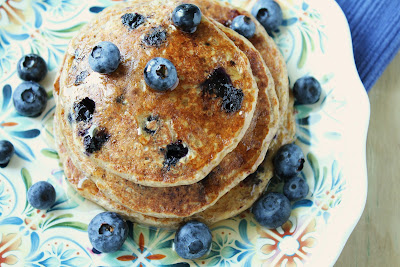 Oatmeal Cottage Cheese Pancakes with Blueberries {Wheat-Free, Gluten-Free, Low-FODMAP Option}  / Delicious as it Looks