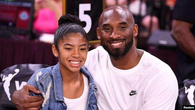Kobe Bryant y su hija Gianna, de 13 años, junto a siete personas perecieron en el siniestro del domingo / REUTERS.