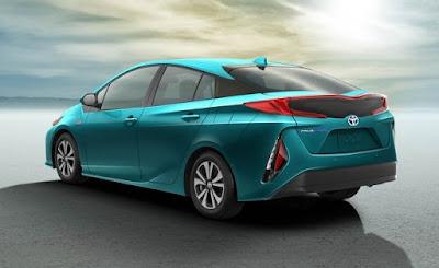 2017 Toyota Prius Prime Hd pics