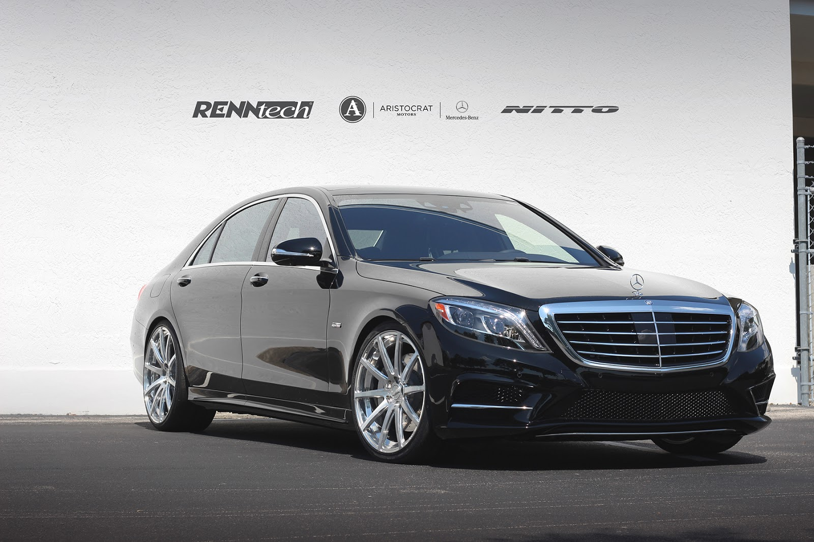 Renntech news mercedes benz s 550 renntech for Pictures of a mercedes benz