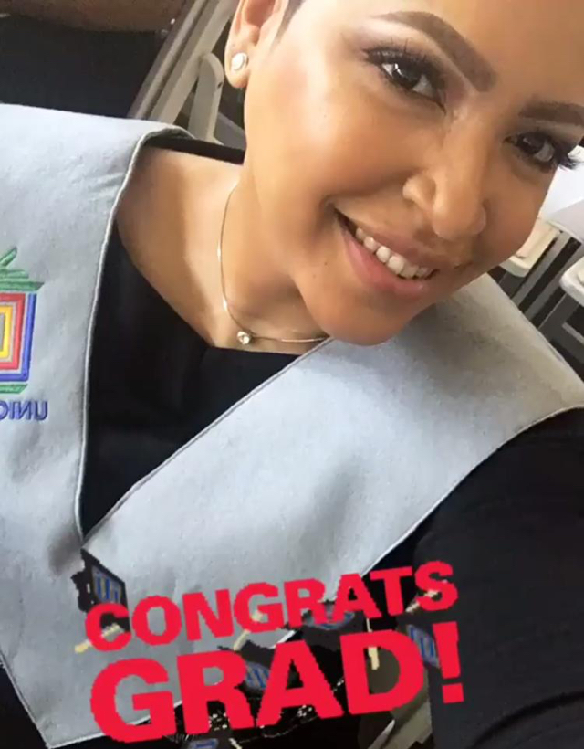 Juliana O'Neal se gradúa con honores en la carrera de mercadeo