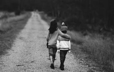 الأخوَّة أكثر من مجرد مشاعر وأنساب