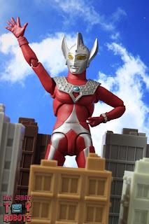 S.H. Figuarts Ultraman Taro 02
