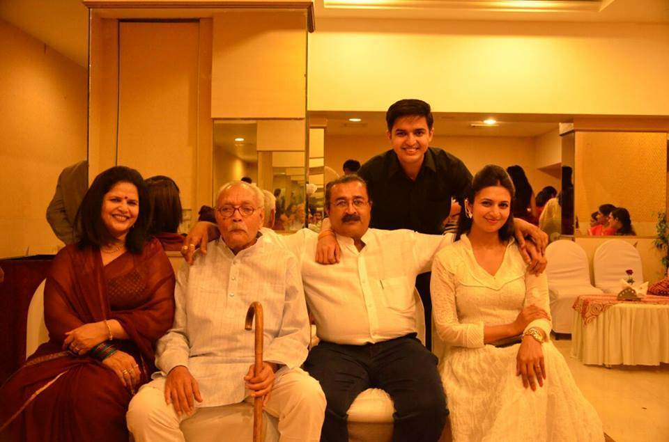 divyanka tripathi family 2