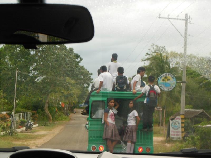BOHOL : Le retour de l'école / Philippines : 3 jours à BOHOL / www.by-laura.fr