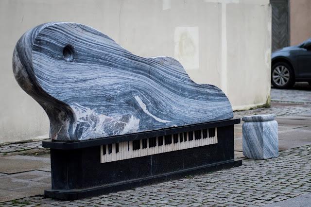 Kłajpeda; Litwa; Lietuva; Klaipeda; Lithuania; fortepian; fortepionas; banga; fala; wave