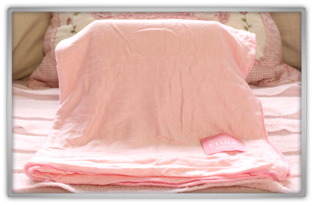 Etude House Haul Review accessories decor kawaii cute pink ebay beauty korean cosmetics Summer blanket