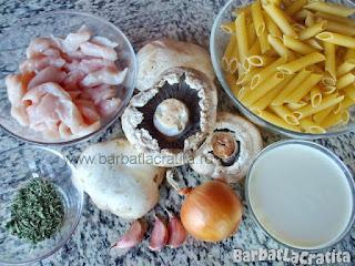 ingrediente reteta paste cu pui - ciuperci, smantana, usturoi, busuioc