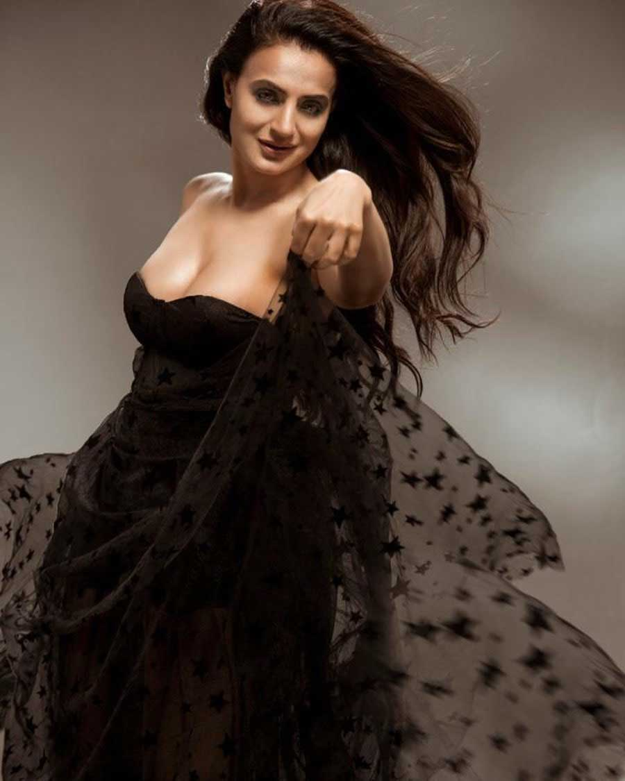 ameesha patel. ameesha patel hot photoshoot