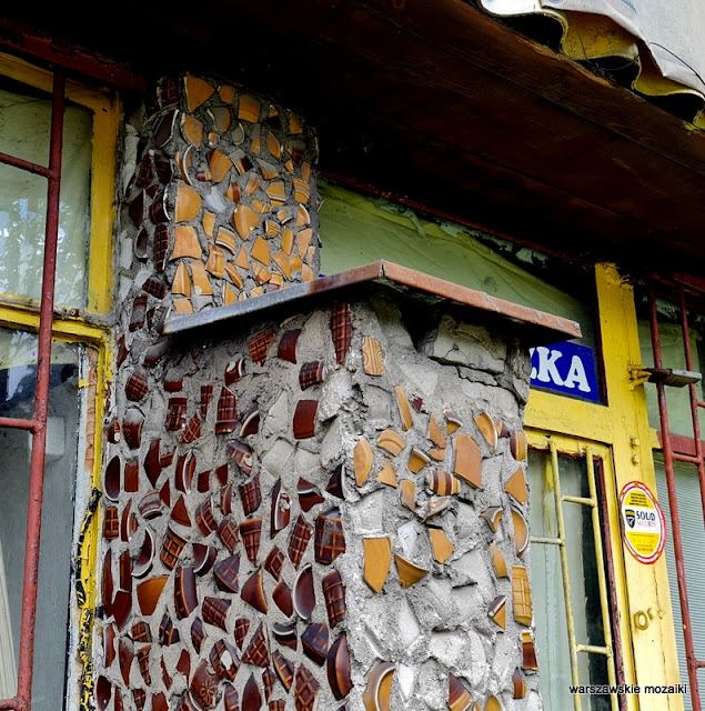 Warszawa Warsaw ceramika mozaika Pruszków stłuczka ceramiczna kiosk opuszczony Ochota