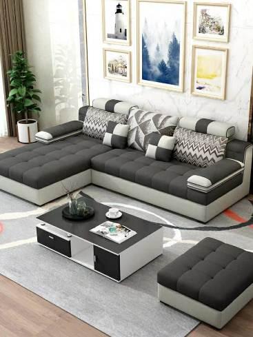 Ruang Tamu Rumah Minimalis Type 36 Dengan Sofa dan Meja Modern