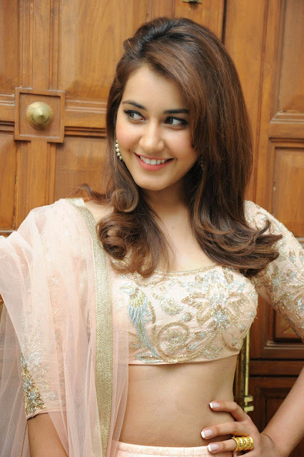 Raashi Khanna Hot Photos