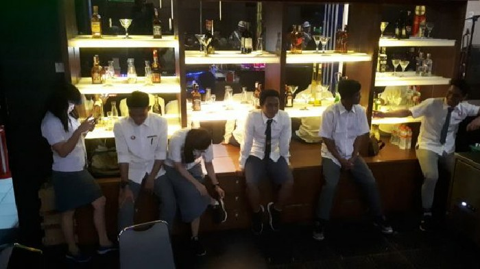 KAPMI 'Kutuk' Soal Penggunaan Seragam Sekolah Karyawan Club 37 D'Maleo