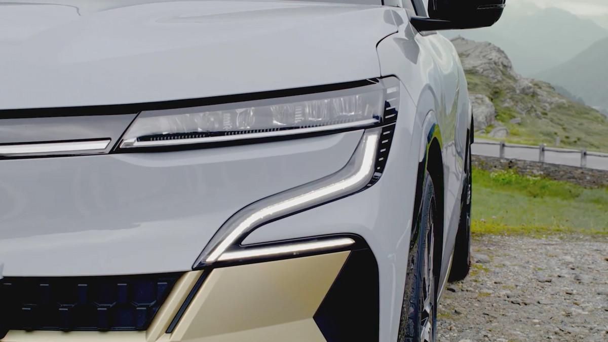 رونو ميجان إي تيك الكهربائية - Megane E-TECH Electric