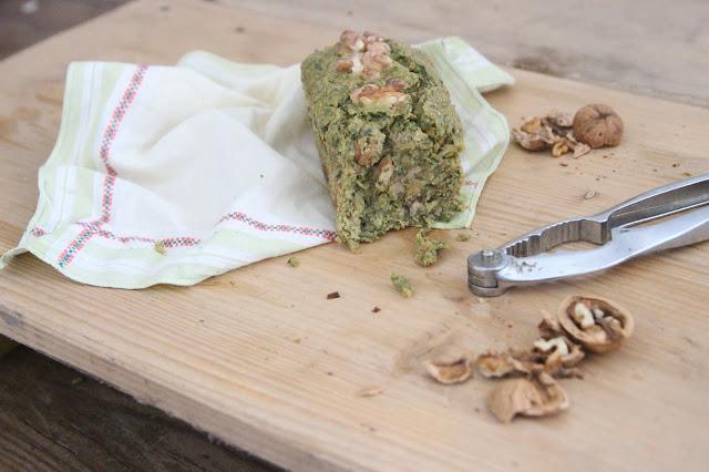 Cuillère et saladier : Mini-cakes roquette et noix (vegan