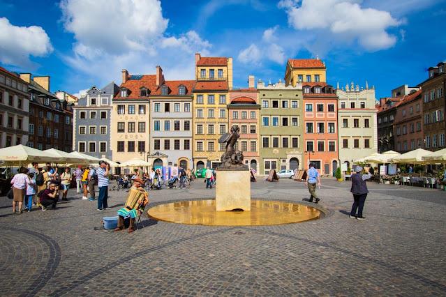 piazza della città vecchia (Rynek Starego Miasta)-Varsavia