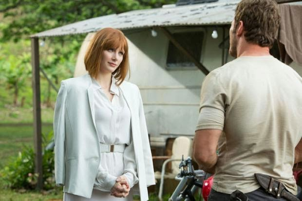 Jurassic World Movie New Stills of Bryce Dallas Howard and More