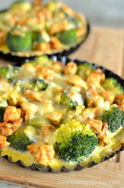 Tarta  z brokułem i kurczakiem