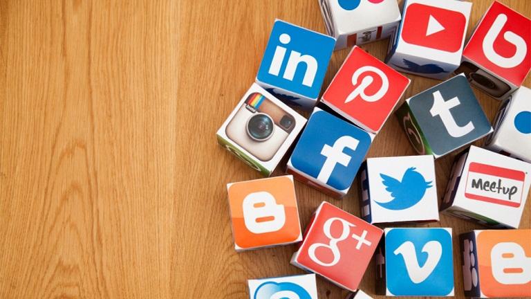 Meramalkan Wujud Media Sosial 30 Tahun yang Akan Datang