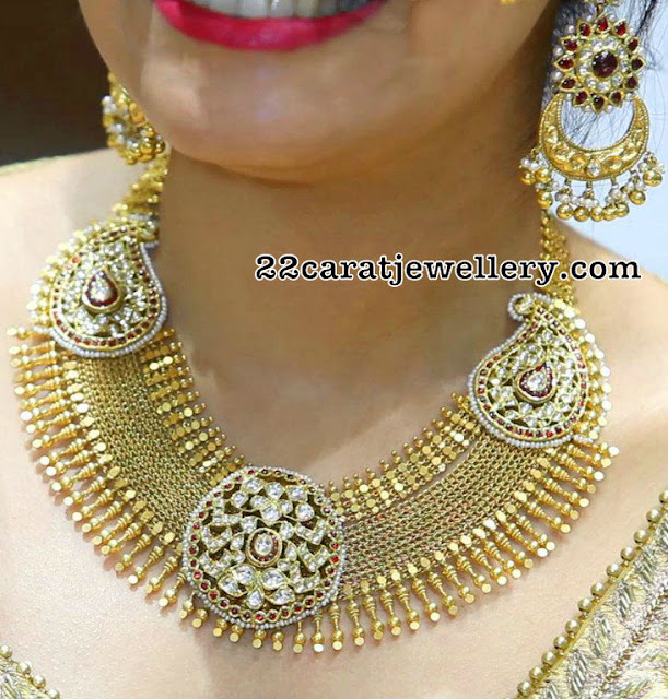 Heavy Fancy Gold Set Chandbalis