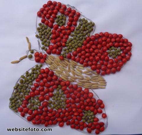 Kolase Kupu-Kupu dari Biji Saga Telik, Kacang Hijau, dan Padi
