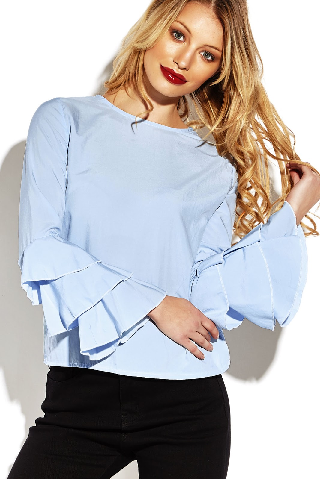 https://www.yoins.com/Blue-Flared-Sleeves-Round-Neck-Blouse-p-1098899.html
