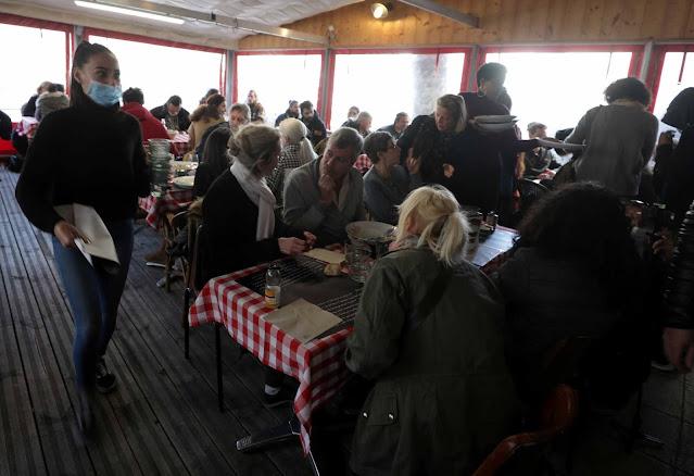 Κορονοϊός: «Αντάρτικο» στην γαλλική ριβιέρα – Εστιατόριο άνοιξε «ετσιθελικά» (pics)