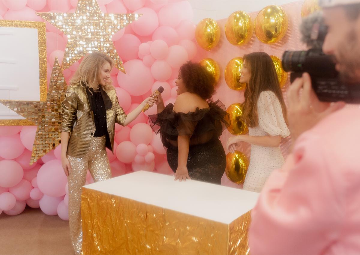 decoração festa ano novo simples com balões e estrelas pinterest 2021 DIY  painel organico baloes pink balloon wall BLOG DO MATH