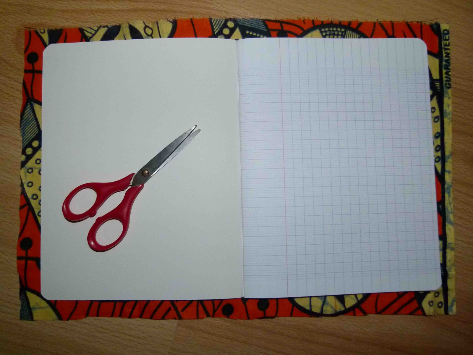 mimi glutte la p 39 tite fabrik tutoriel cahier en cartonnage. Black Bedroom Furniture Sets. Home Design Ideas