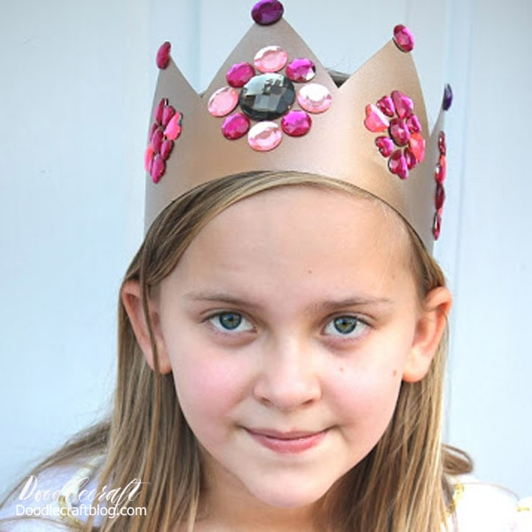 Make a king or queens crown with just a few supplies.